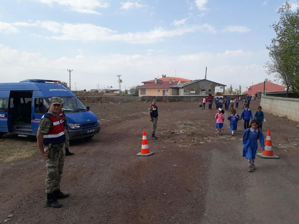 Jandarma'dan okullara güvenlik önlemi 3