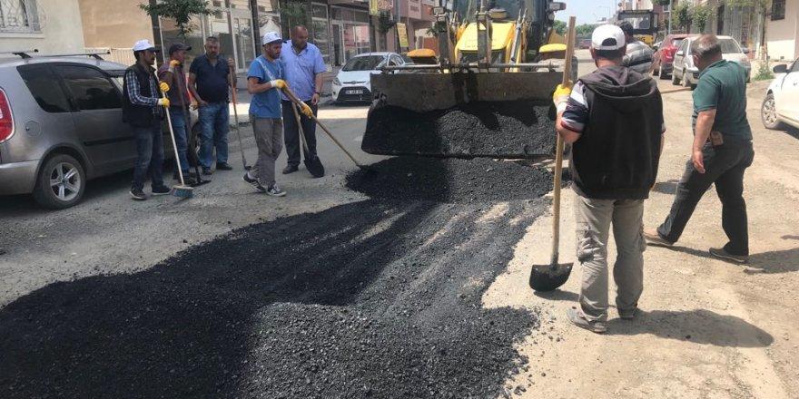 Kars Belediyesi Merkez ve Mahalle aralarında yama çalışması başlattı