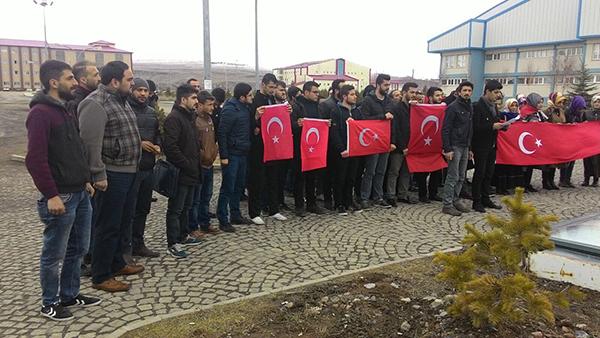 AK Parti Kars Gençlik Kolları Üniversite Gençliği tarafından Ankara Saldırısı kınandı.