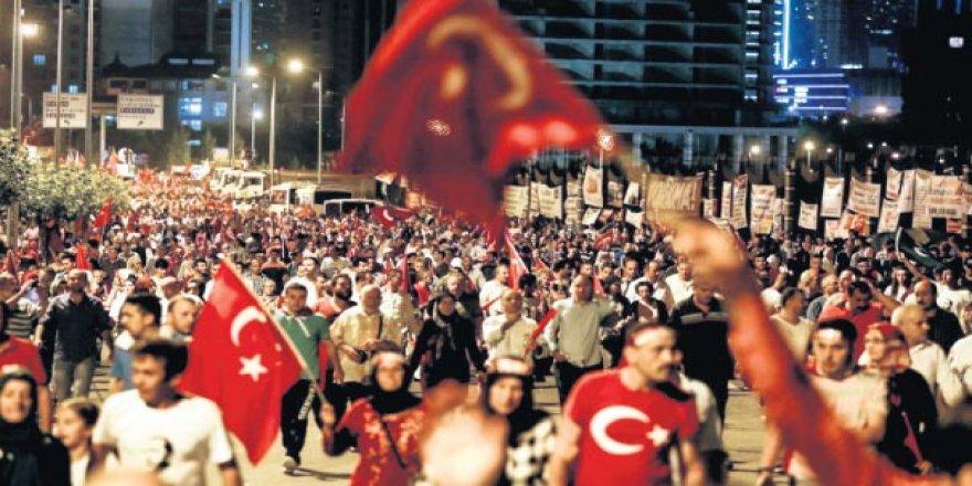 15 TEMMUZ NİÇİN BİR DESTANDIR?  Türk halkı tanklara karşı yürüdü