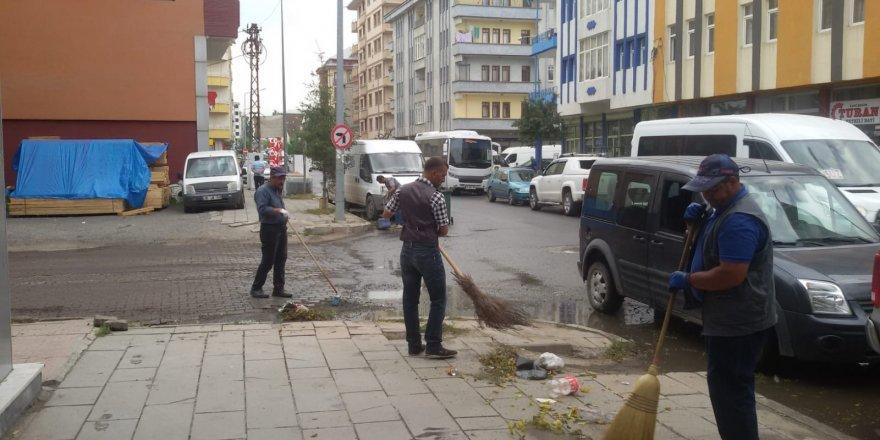Kars'ta Cadde Ve Sokaklar Temizleniyor