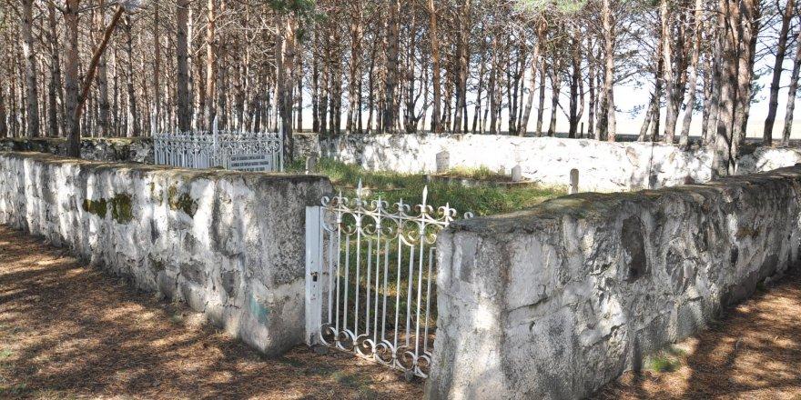 O Komutanın Mezarı Selim'de