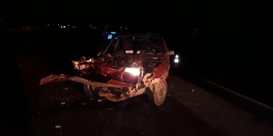 Kars'ta Korkunç Kaza 1'i Ağır 4 Yaralı