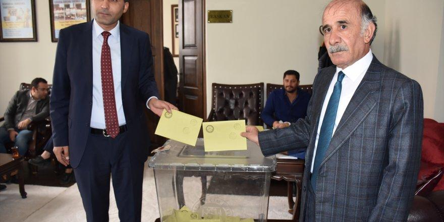 Kars-Ardahan Bölge Barosu Başkanı Baştimar güven tazeledi