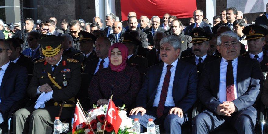 Kars'ta 29 Ekim Cumhuriyet Bayramı Törenlerle Kutlandı!