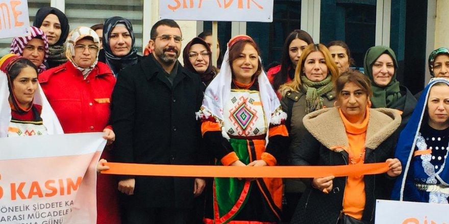 Kars AK Parti Kadın Kolları'ndan Başkanlığından Kadına Şiddete Hayır