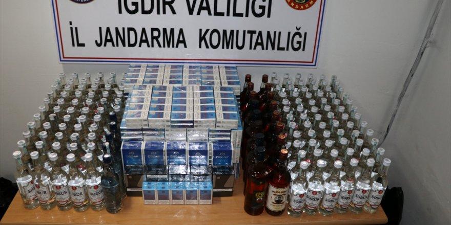 Iğdır'da kaçak sigara ve içki operasyonu