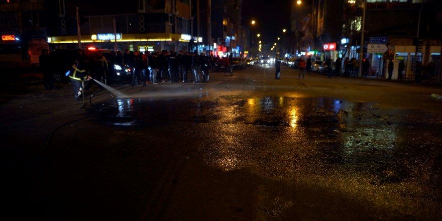 Ardahan'da otomobil ile kamyonet çarpıştı: 3 yaralı