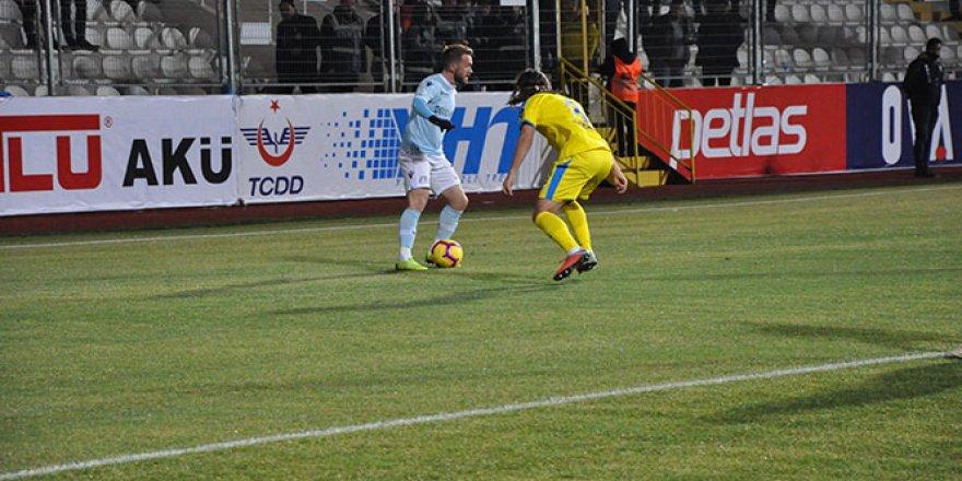 Başakşehir deplasmanda tek golle kazandı