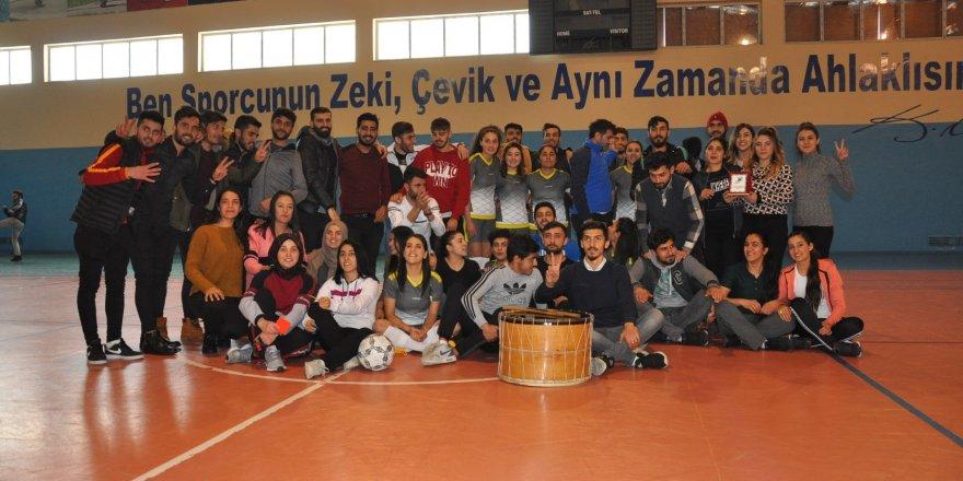 Kars'ta Futsal Turnuvası Sona Erdi