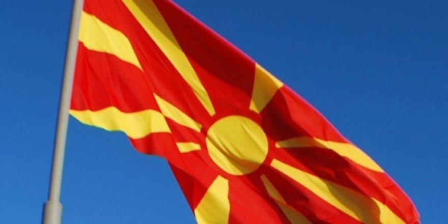 Makedonya Parlamentosu ülkenin adının değişikliğini içeren yasayı onayladı