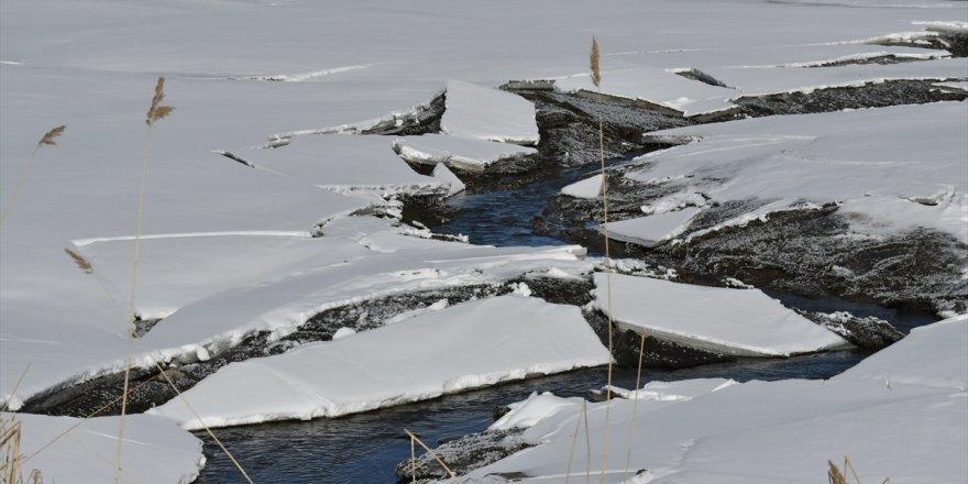 Ördek Gölü'nün önündeki set çöktü