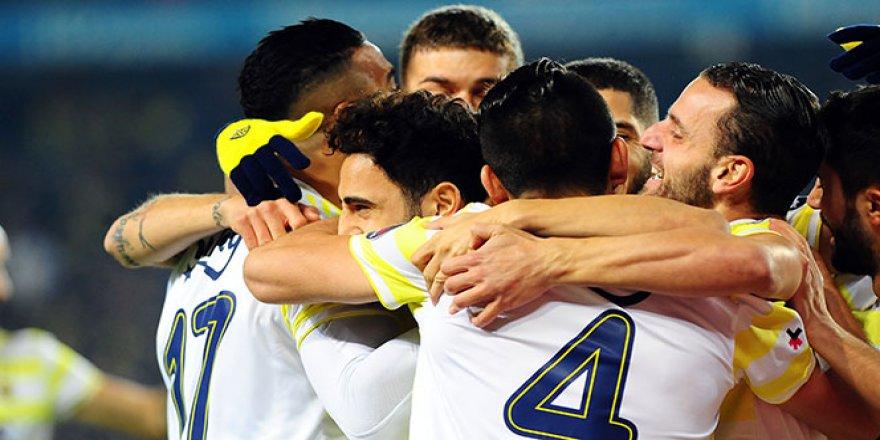Fenerbahçe sahasında 3 golle kazandı