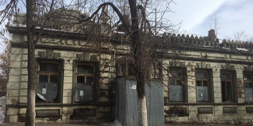 Karslılar Metruk Binaların Yıkılmasını İstiyor