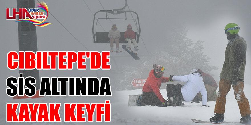 Cıbıltepe'de Sis Altında Kayak Keyfi