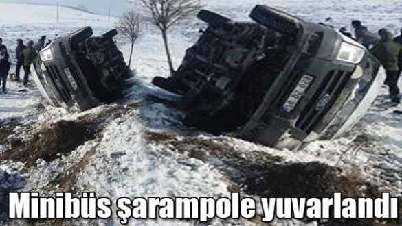 Minibüs Şarampole Yuvarlandı