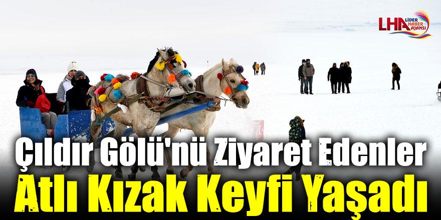 Çıldır Gölü'nü Ziyaret Edenler Atlı Kızak Keyfi Yaşadı