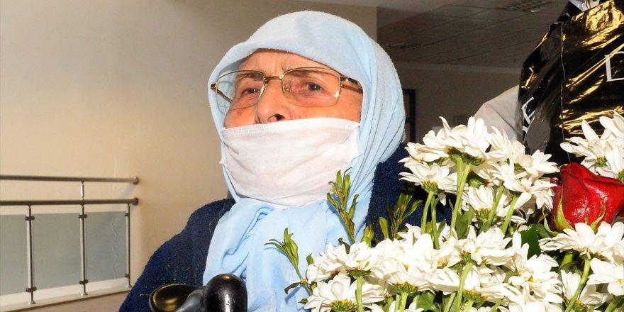 85 yaşındaki KOAH hastası Kovid-19'u yendi