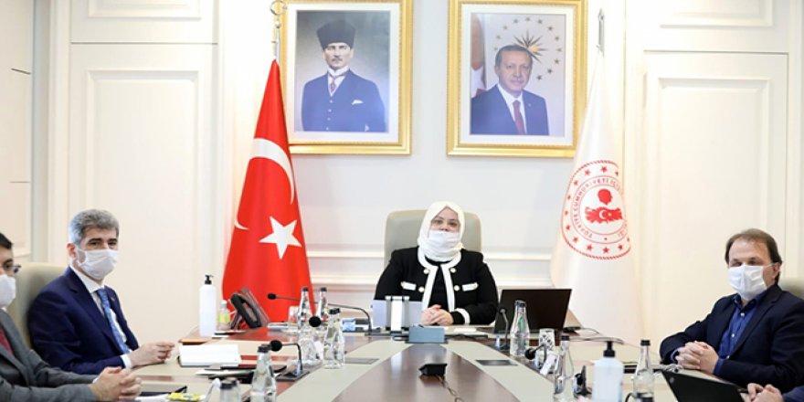 Aile Çalışma ve Sosyal Hizmetler Bakanı Selçuk 81 il valisiyle görüştü
