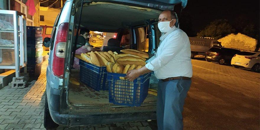 Vatandaş fırına gidemeyince fırıncılar ekmeği vatandaşa götürmeye başladı