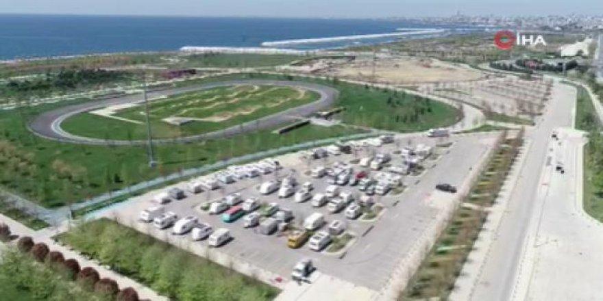 Koronavirüs günlerinde  'karavan parkı' havadan görüntülendi