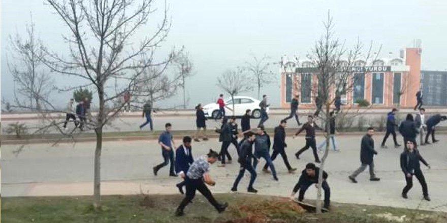 Üniversite'de kavga, 60 gözaltı