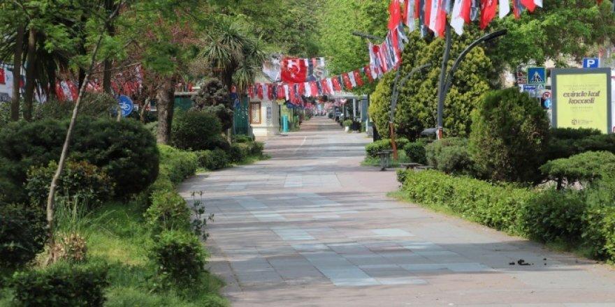 Kısıtlamanın son gününde Kocaeli'de sokaklar boş kaldı