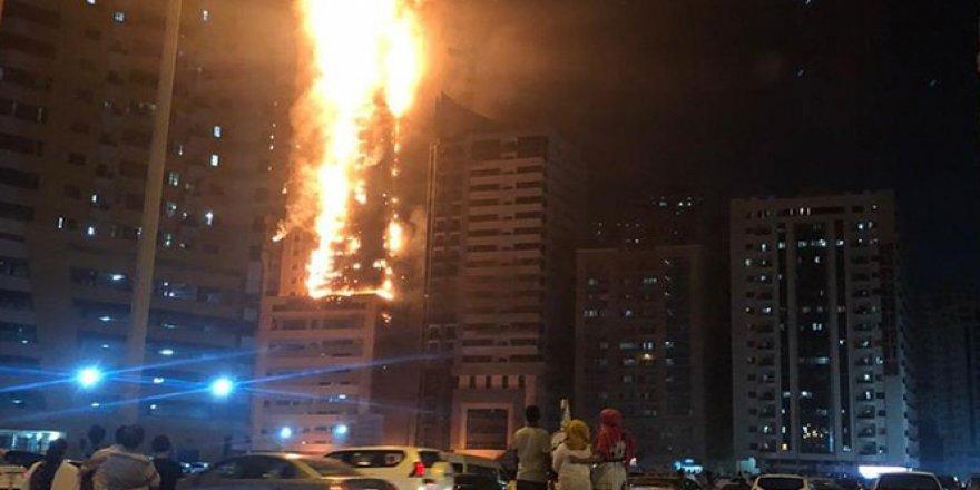 BAE'de gökdelende büyük yangın