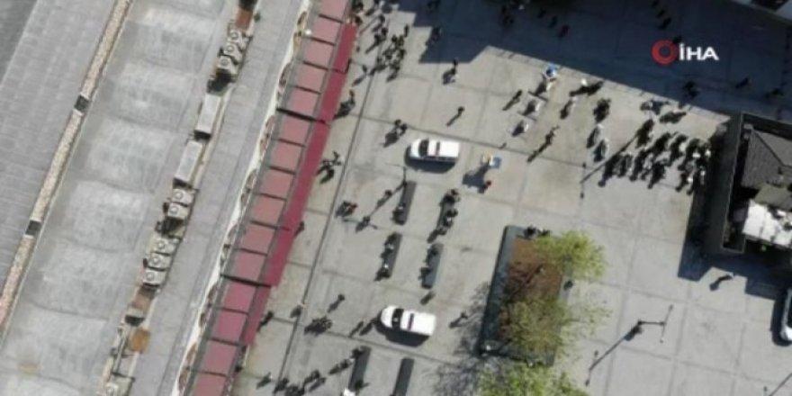 Eminönü Meydanı'nda koronavirüse rağmen alışveriş yoğunluğu yaşandı