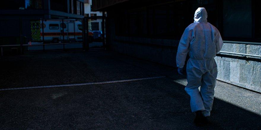 ABD'de korona virüs nedeniyle ölenlerin sayısı 77 bine yaklaştı