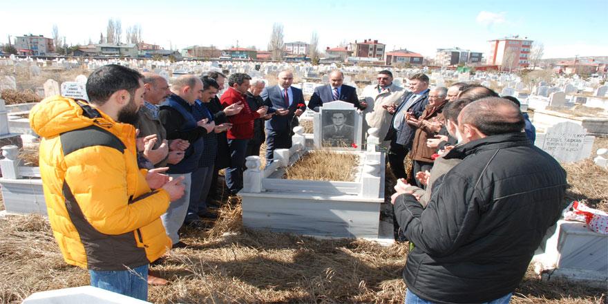Gazeteci Merhum Öner Daşdelen Mezarı Başında Anıldı