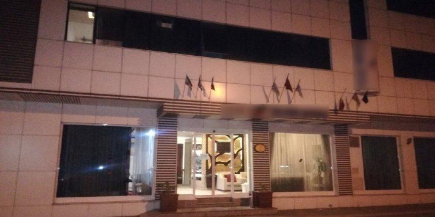 İzmir'de bir kişi otel odasında ölü bulundu