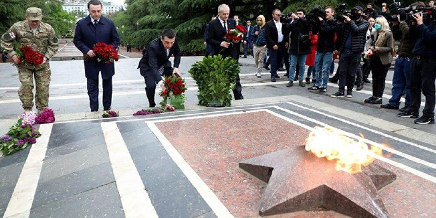 Gürcistan'da 9 Mayıs Zafer Günü kutlandı