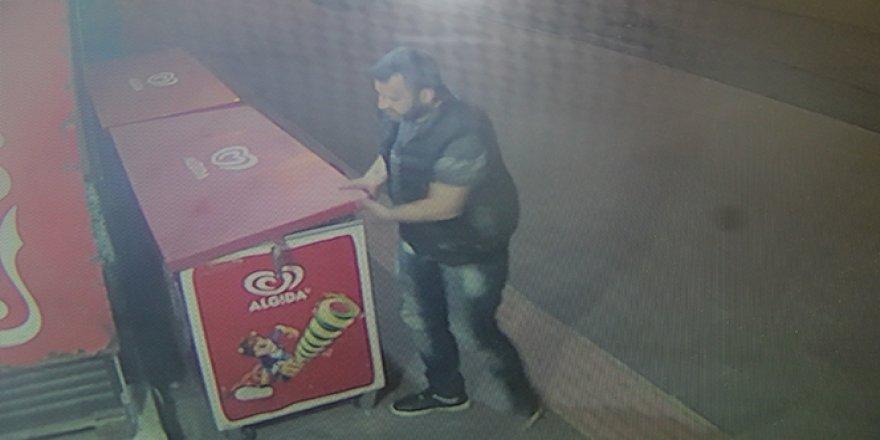 Hırsız çaldı, çocuklar geri getirdi