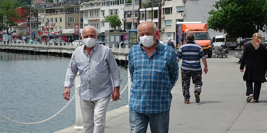 65 yaş üstü vatandaşlar İstinye sahiline akın etti