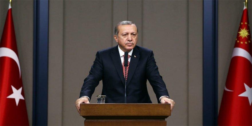 Cumhurbaşkanı Erdoğan, 19.19'da İstiklal Marşı'nı okudu