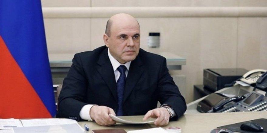 Rusya Başbakanı Mişustin, korona virüsü yenerek görevine döndü