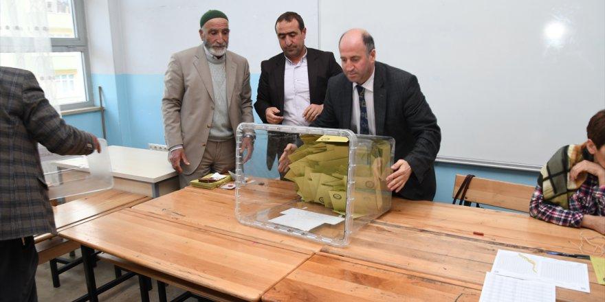 Kars'ta Oy Sayımına Başlandı.