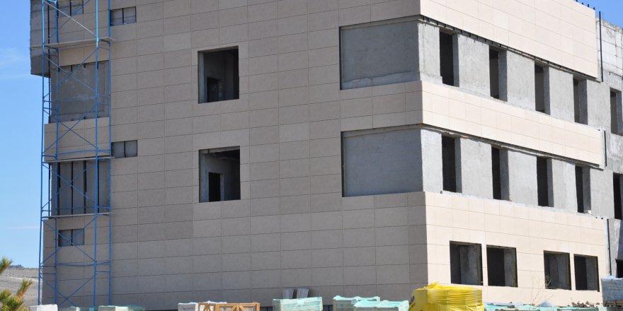 KAÜ'de Kongre Merkezi'nin yapımı devam ediyor