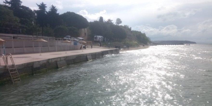 Silivri'de sahilde erkek cesedi bulundu