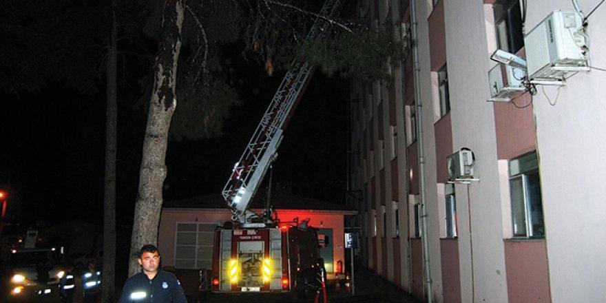 Bayramiç Devlet Hastanesi'nde yangın