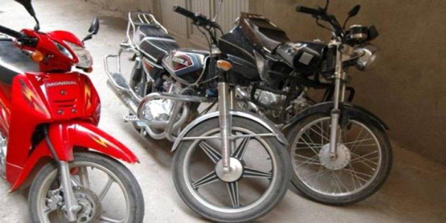 Kars'ta motosiklet hırsızları kısa sürede yakalandı