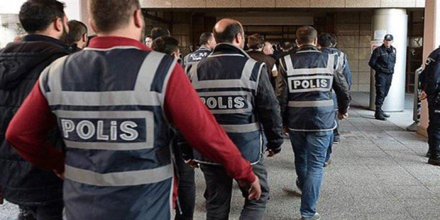 Kars'ta 7'si rütbeli 49 polis açığa alındı