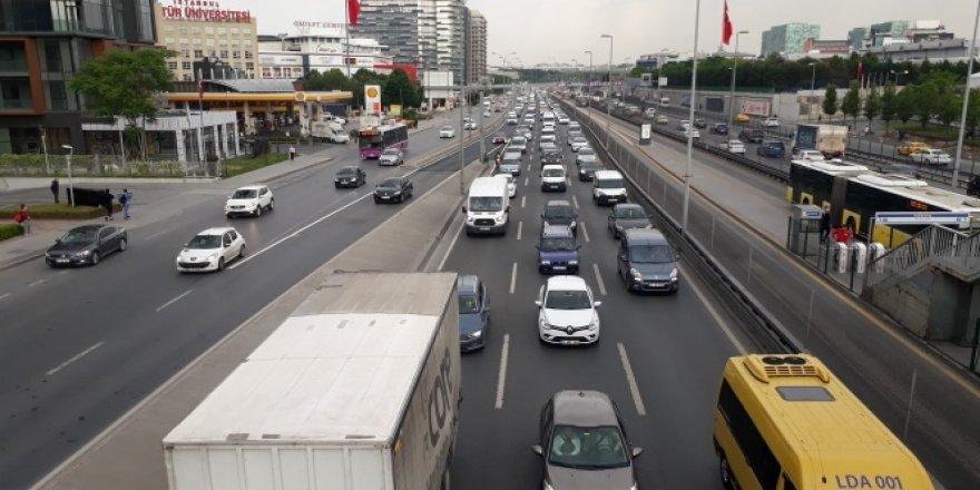 Kısıtlama sonrası trafikte yoğunluk oluştu