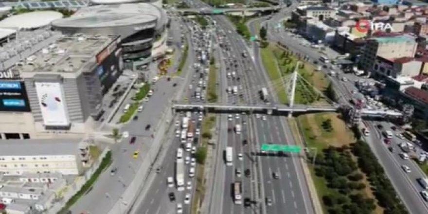 Mahmutbey Gişelerinde trafik yoğunluğu oluştu