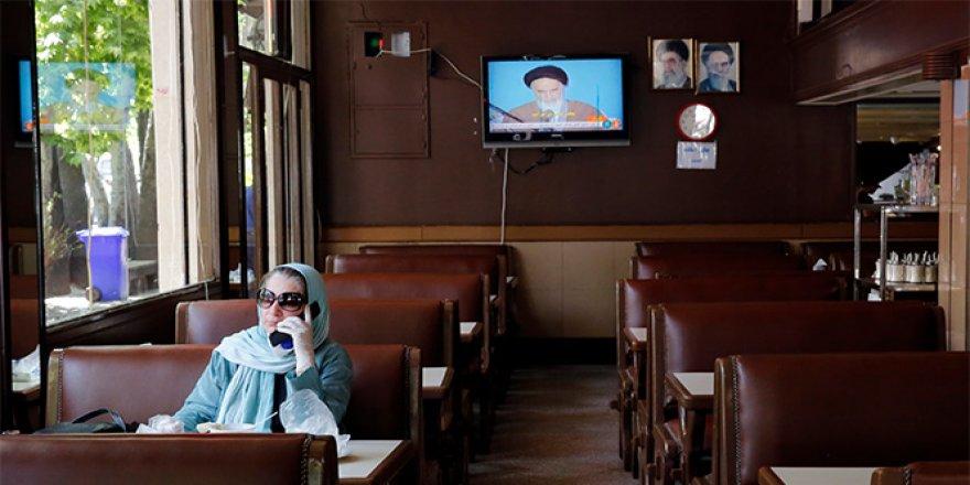 İran'da günlük ölü sayısı artışa geçti, vaka sayısı dalgalı seyrediyor