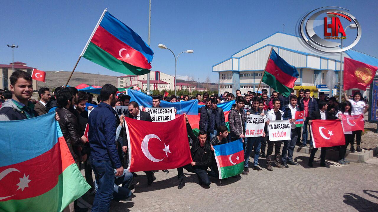 Kars'ta Öğrencilerden Teröre ve Ermenistan'a Tepki