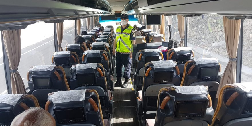 Kars'ta Jandarma'dan yolcu otobüslerine uygulama