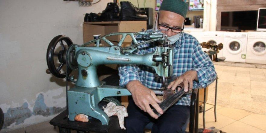 63 yıllık köşker İsmet amca, işine dönmenin mutluluğunu yaşıyor