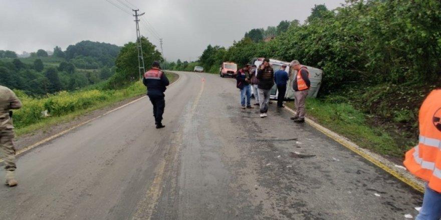 Ordu'da minibüs devrildi: 9 yaralı